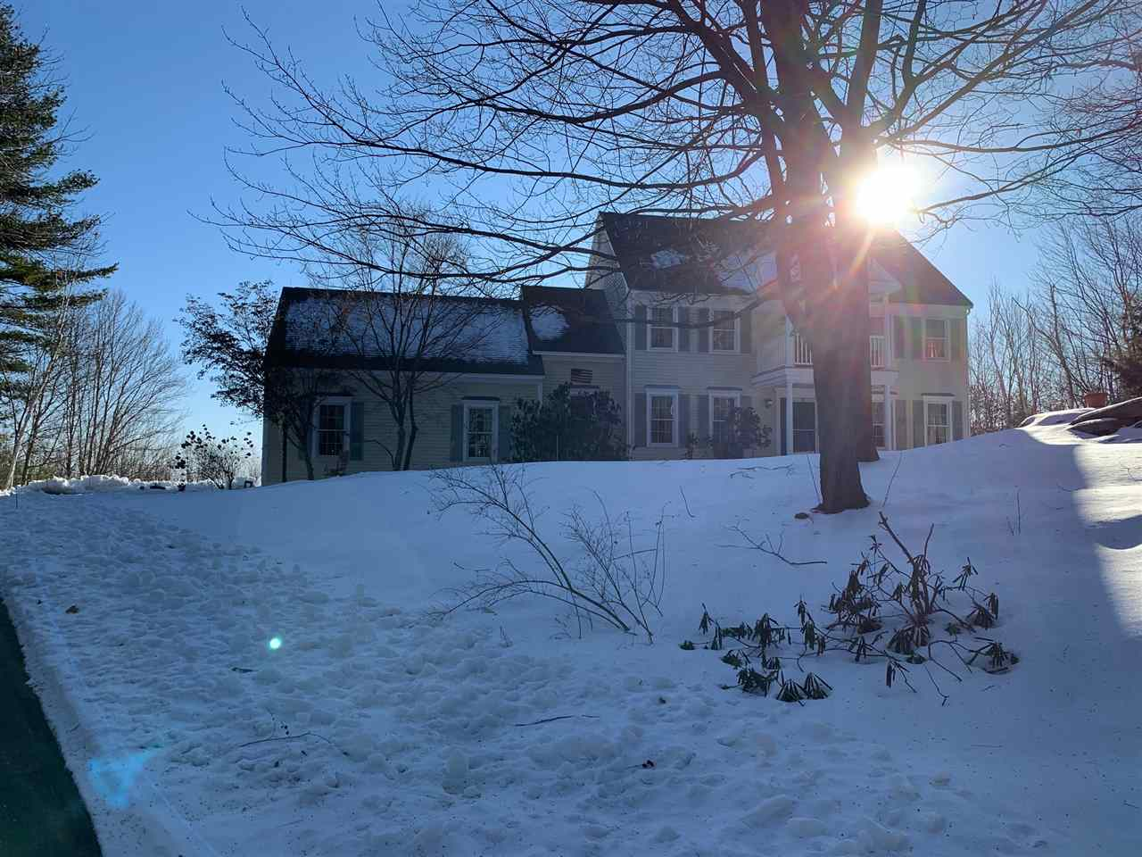 MLS 4789790: 17 Twin Oaks Drive, Mont Vernon NH