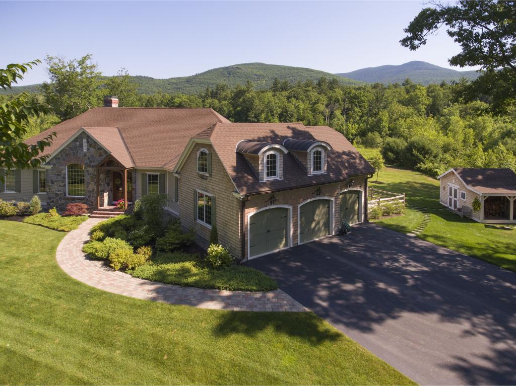 VILLAGE OF MELVIN VILLAGE IN TOWN OF TUFTONBORO NH Home for sale $849,000