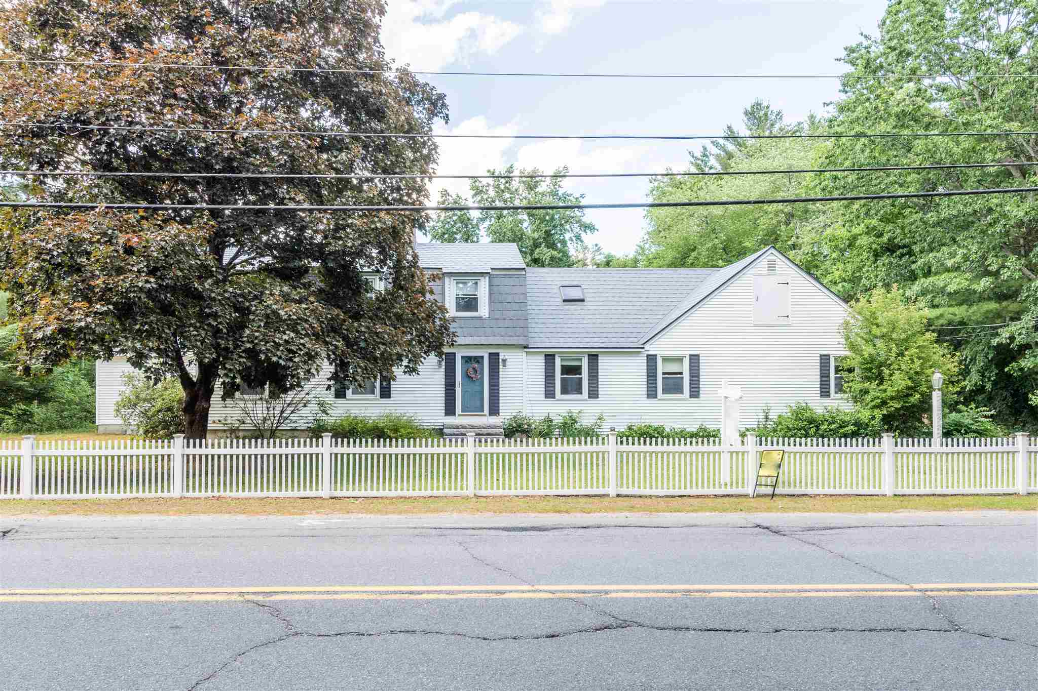 MLS 4791385: 33 Bedford Road, Merrimack NH