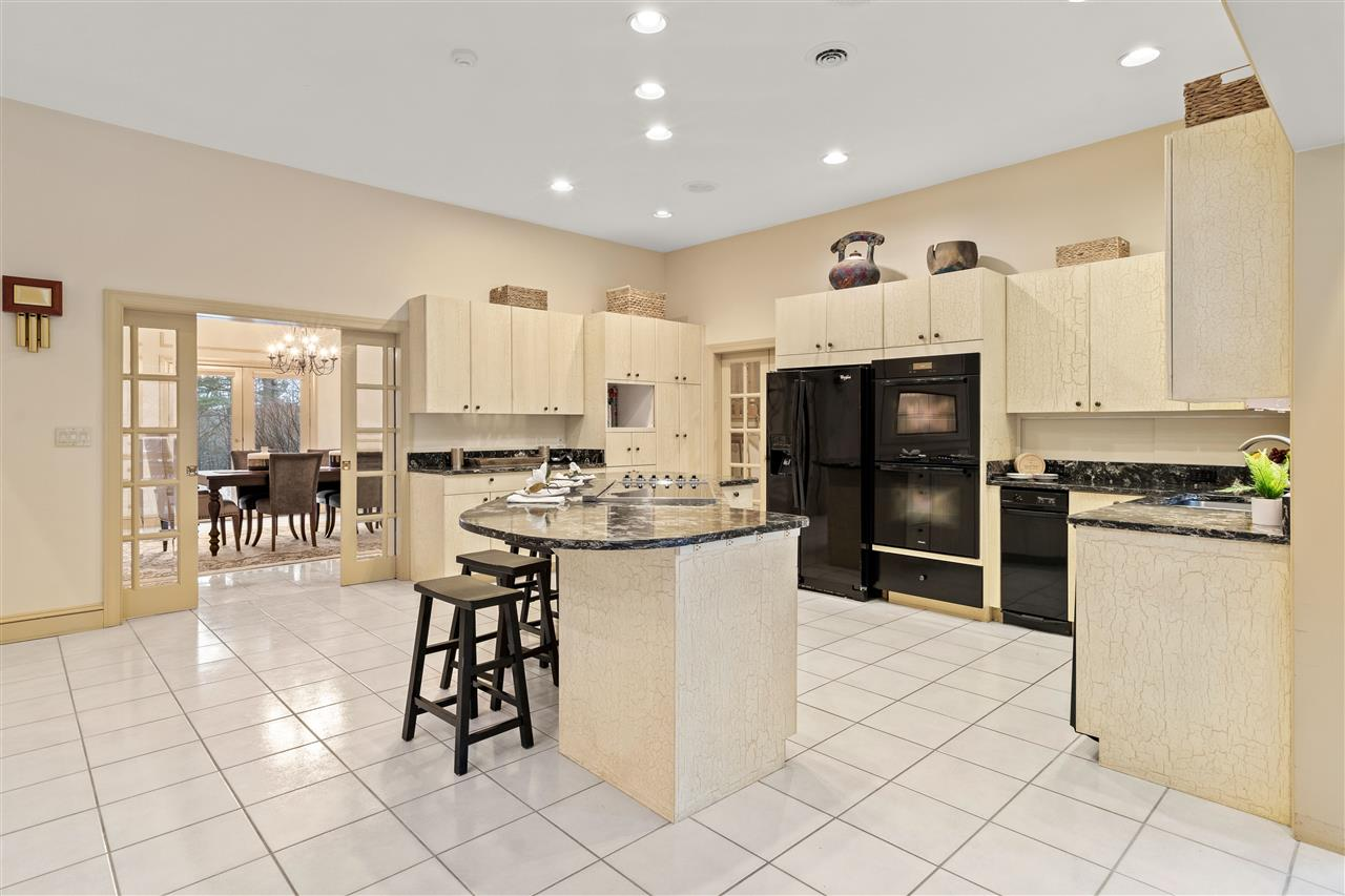 Make your way through the kitchen to the formal dining room! 14837648