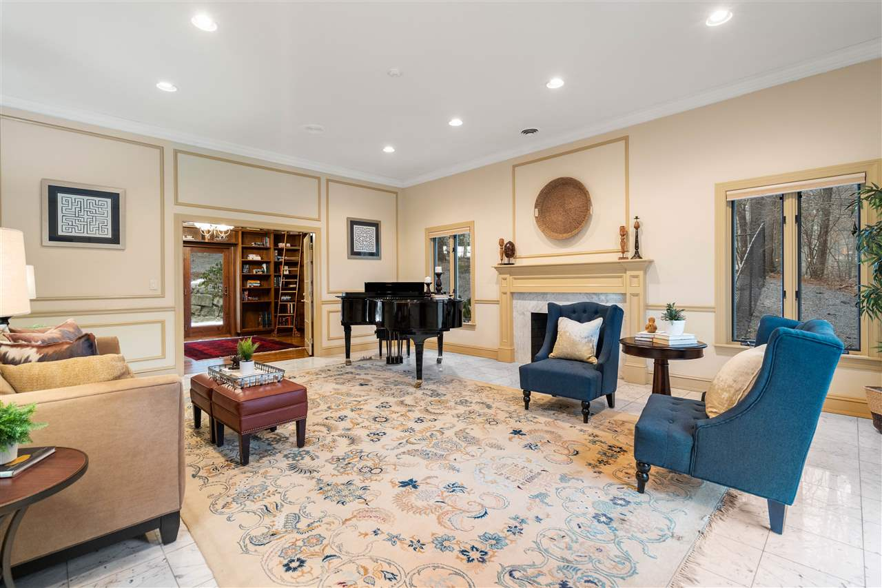 Enter the formal living room 14837653