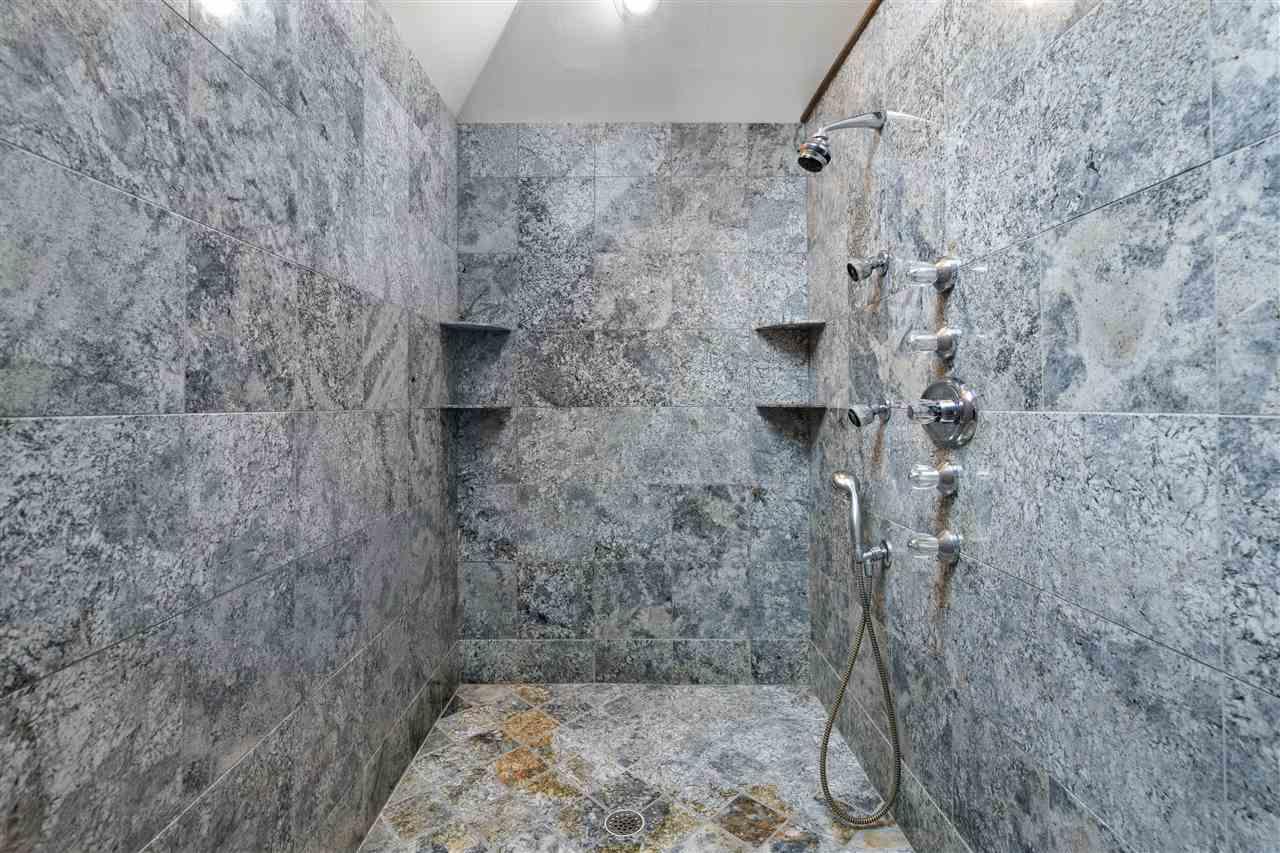 Master Spa Walk In Shower w/ 4 shower heads 14837635