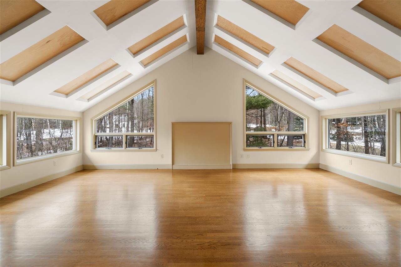 3rd floor Bonus Room with radiant heated floor! 14837640