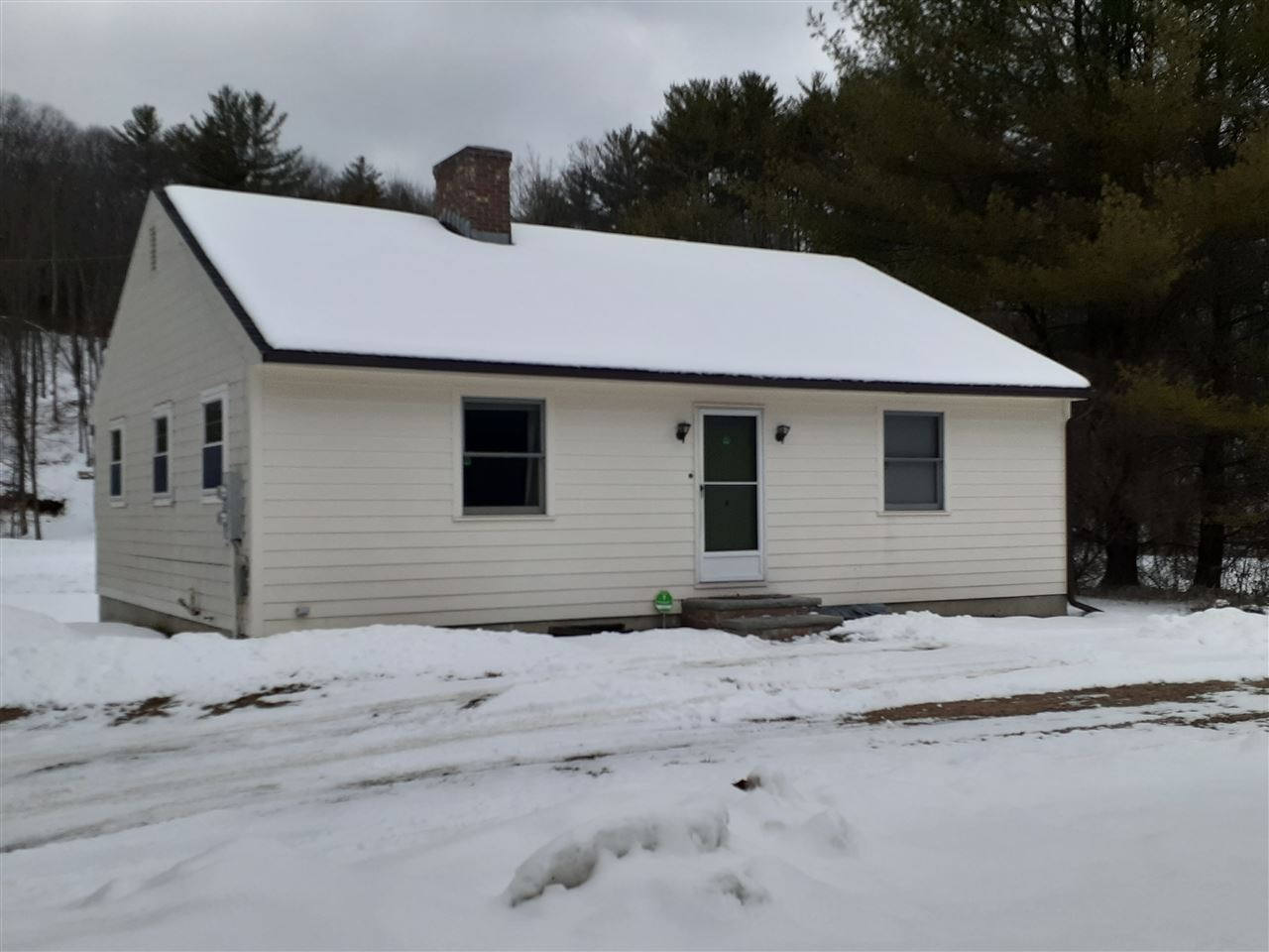 BRADFORD NH Home for sale $$209,000 | $194 per sq.ft.