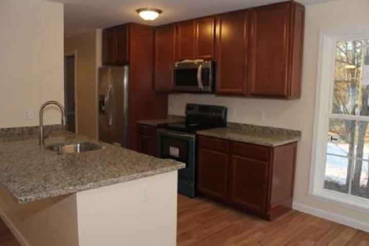 BELMONT NH Home for sale $298,500