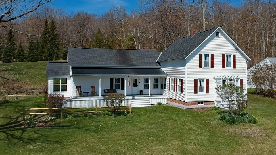 Charlestown NH 03603Home for sale $List Price is $525,000