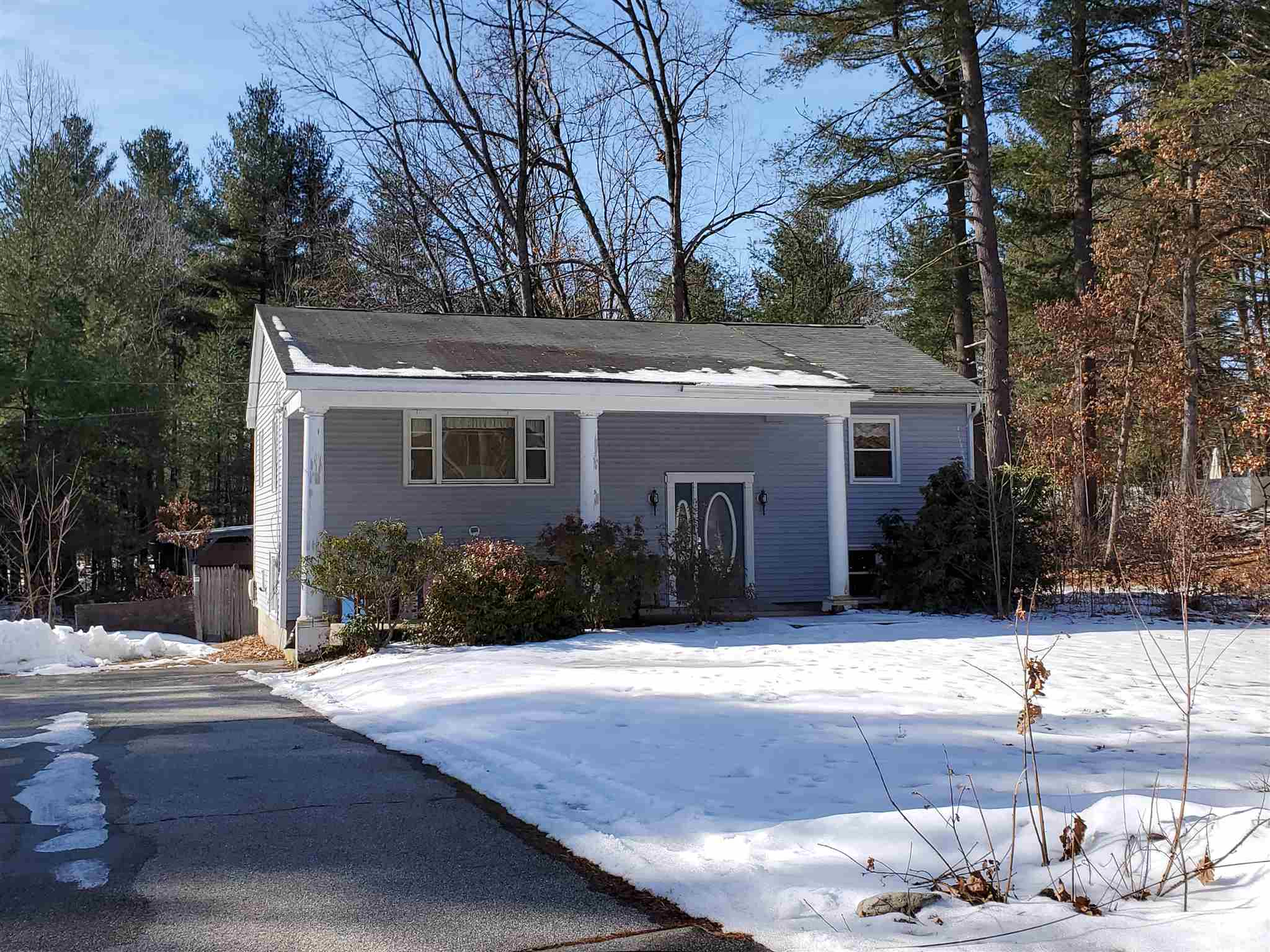 MLS 4793712: 16 Louise Drive, Litchfield NH