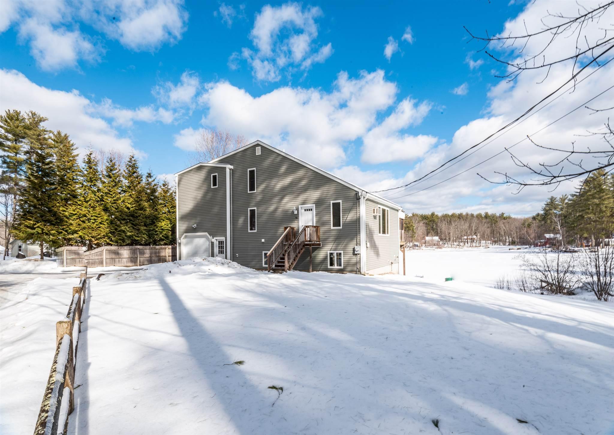 BARRINGTON NH Home for sale $464,000