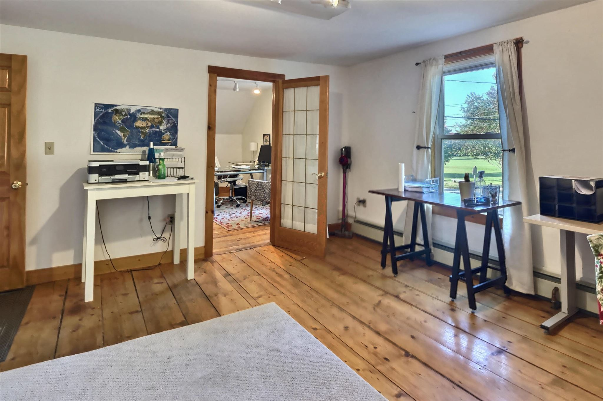 New London NHAll Apartments and Housing  for sale