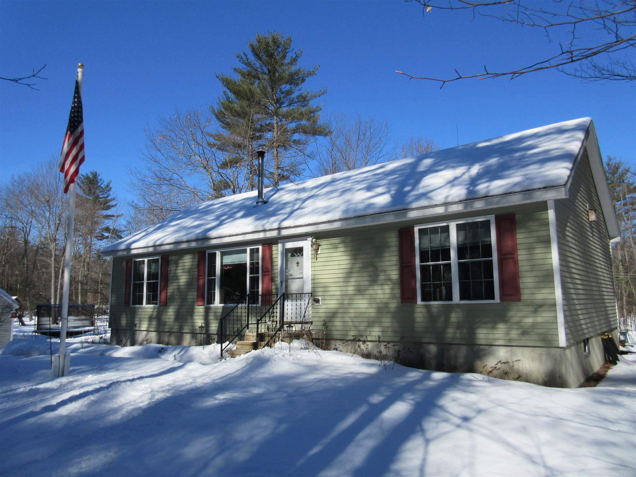 WAKEFIELD NH Home for sale $229,900