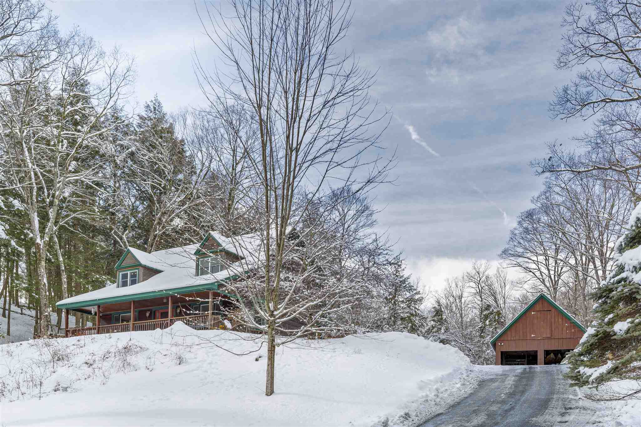 THETFORD VT Home for sale $$375,000 | $154 per sq.ft.