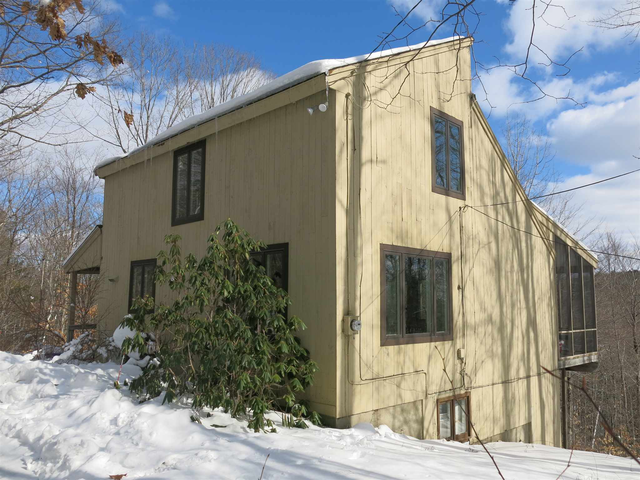 Village of Quechee in Town of Hartford VT Home for sale $List Price is $219,900