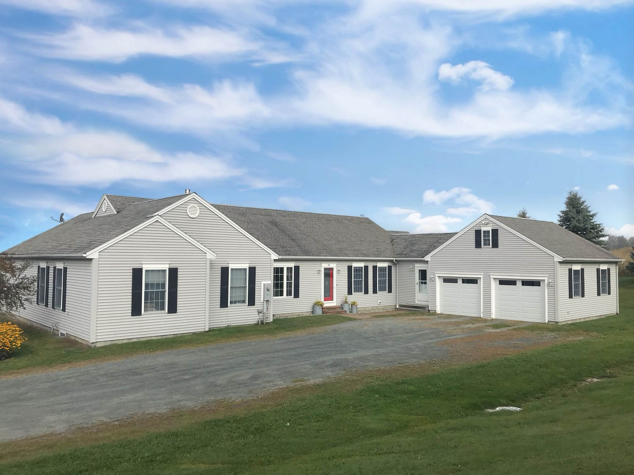 MLS 4794890: 19 Eagle Ridge Drive, Lebanon NH