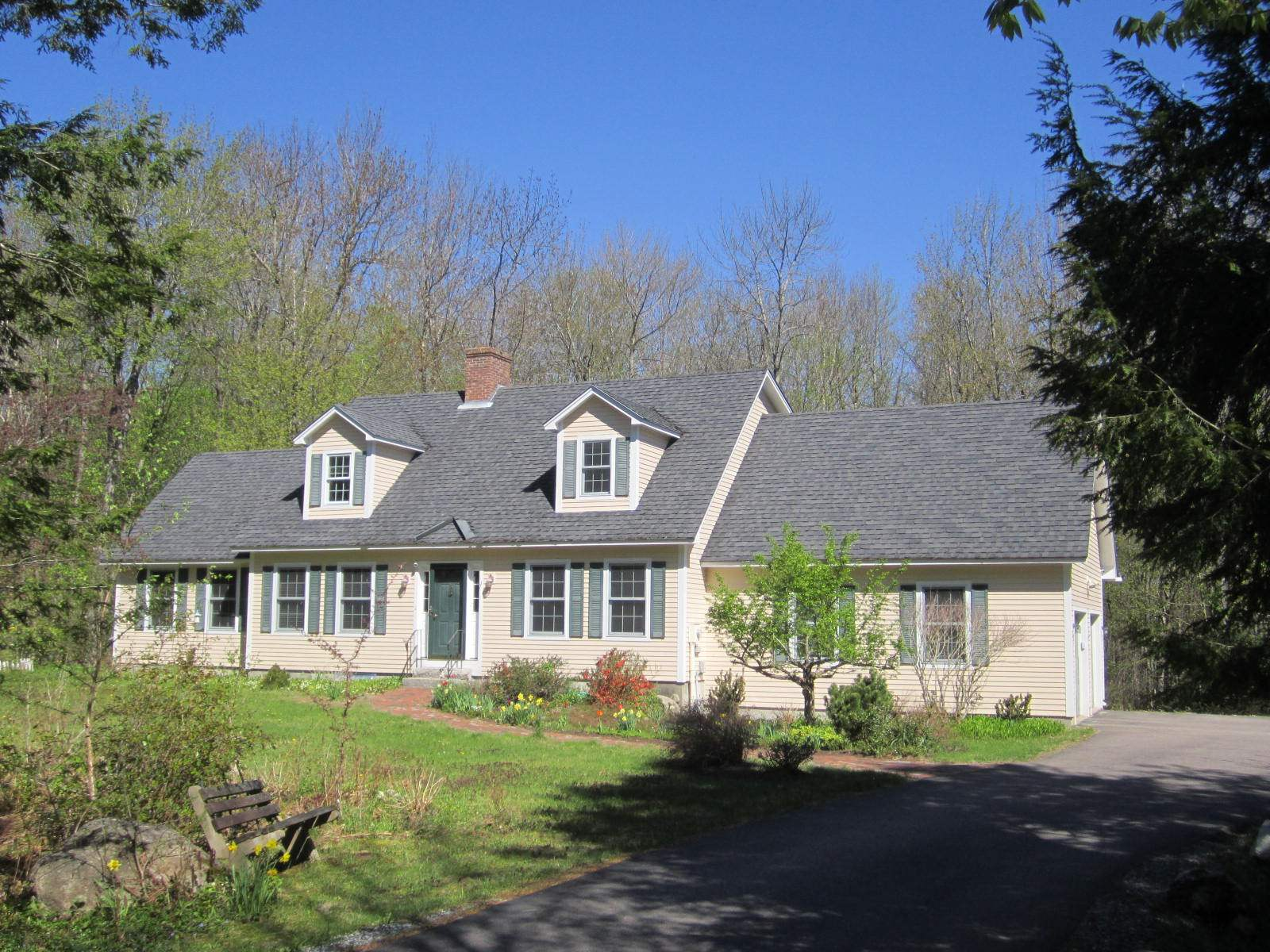 NEW LONDON NH Home for sale $$375,000 | $180 per sq.ft.