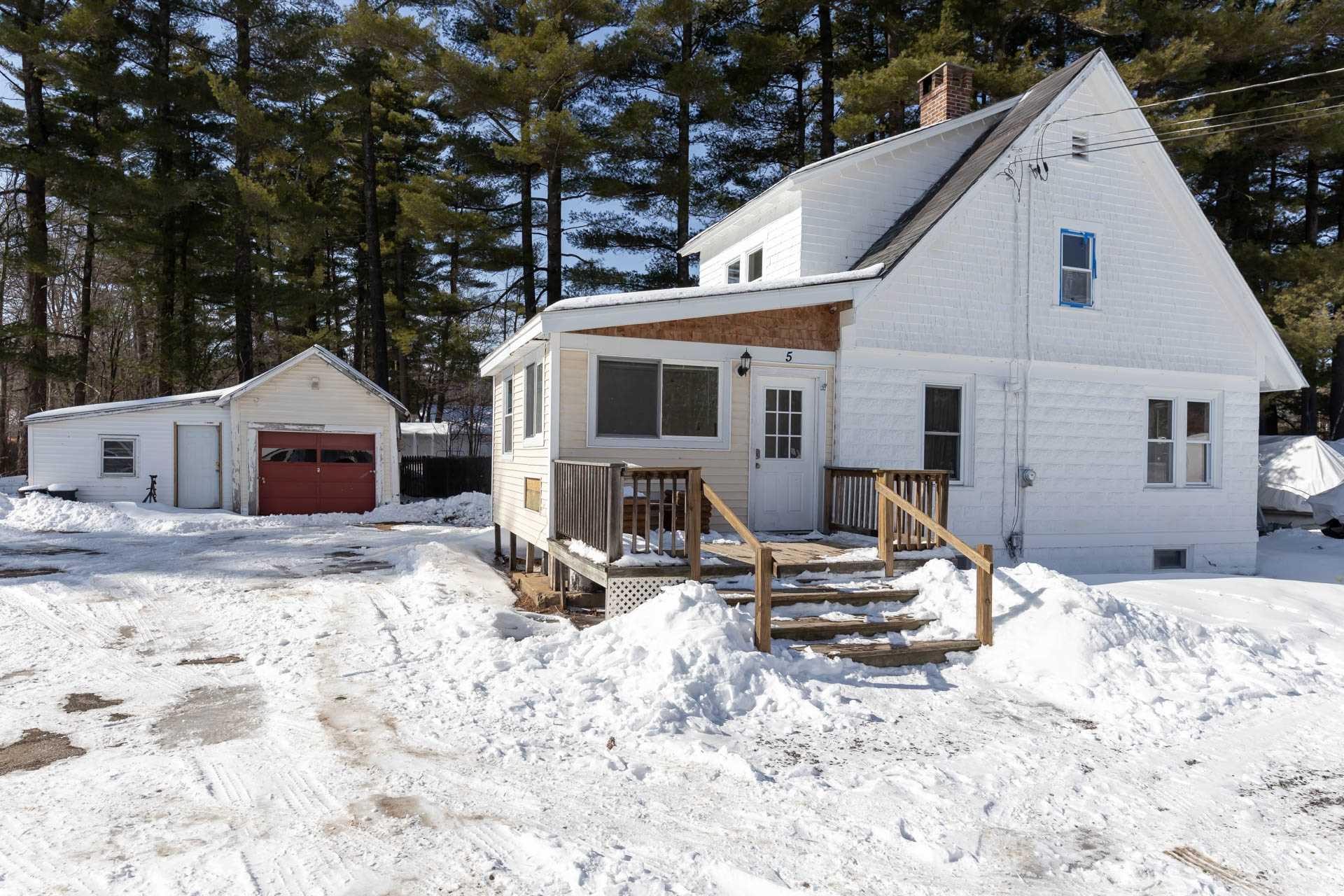 TILTON NH Home for sale $289,444