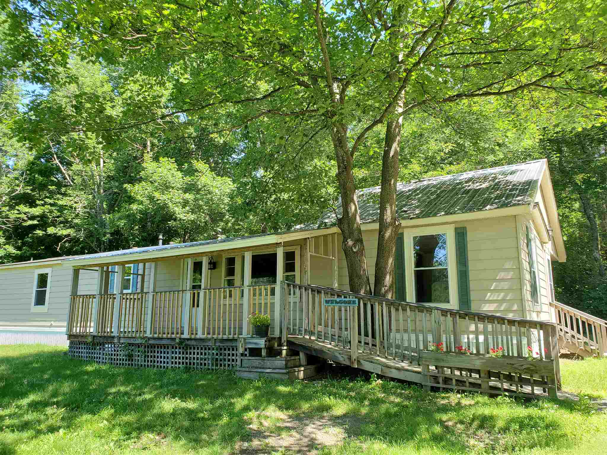 MLS 4795732: 28 Orchard Road, Enfield NH