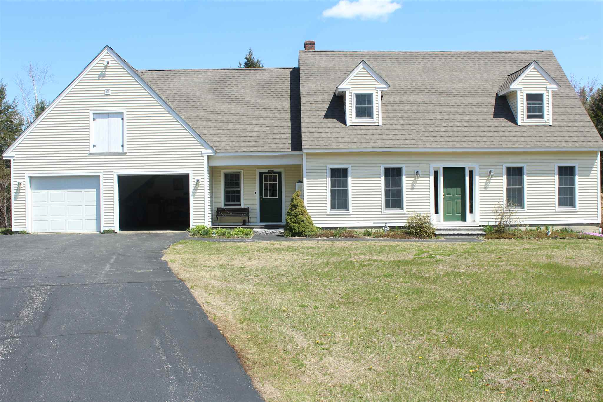 Newport NH 03773Home for sale $List Price is $335,900