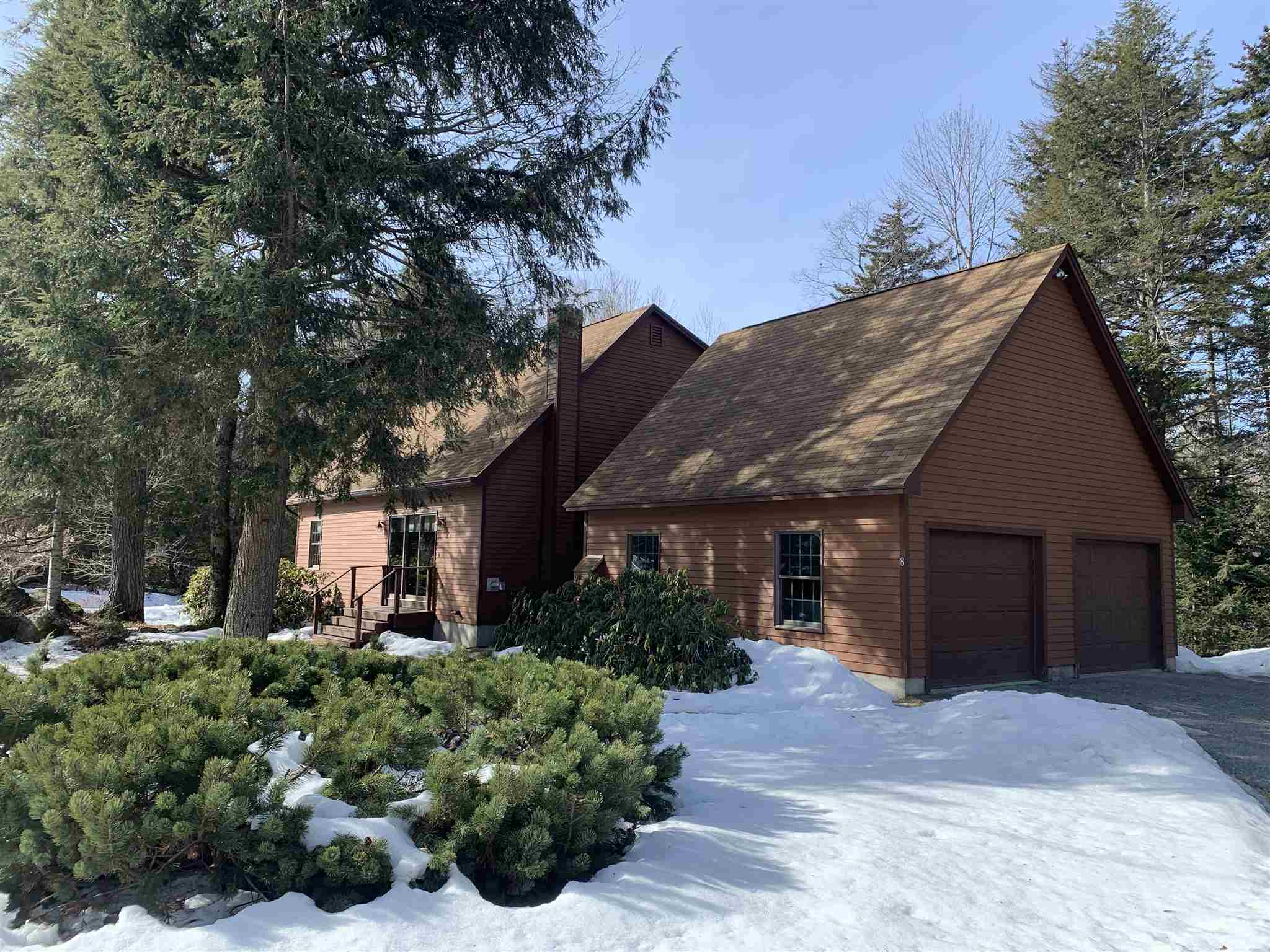 MLS 4796429: 8 Mill Pond Lane, Grantham NH