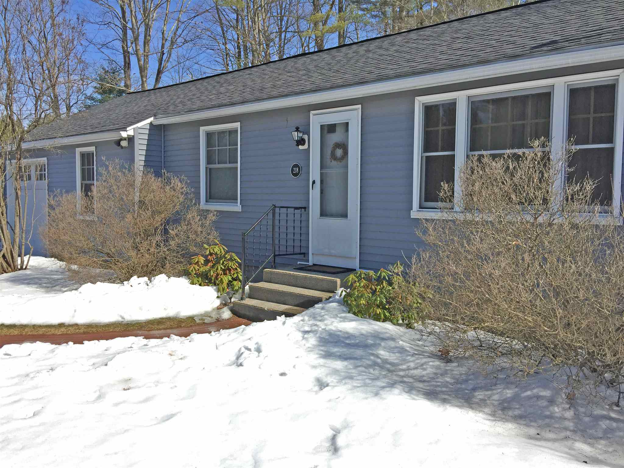 LYME NH Home for sale $$299,000 | $271 per sq.ft.