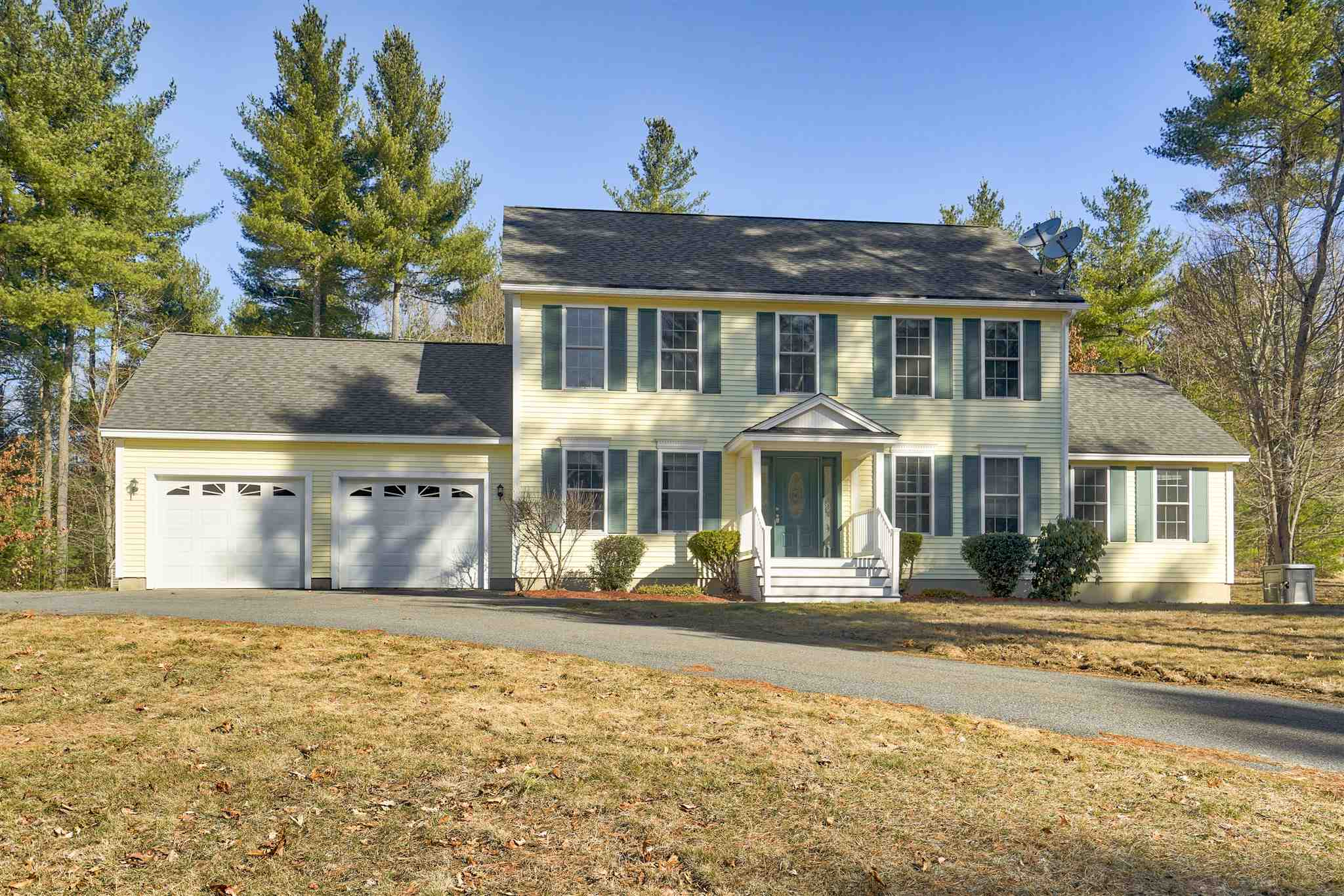 MLS 4798400: 122 Pinecrest Road, Litchfield NH