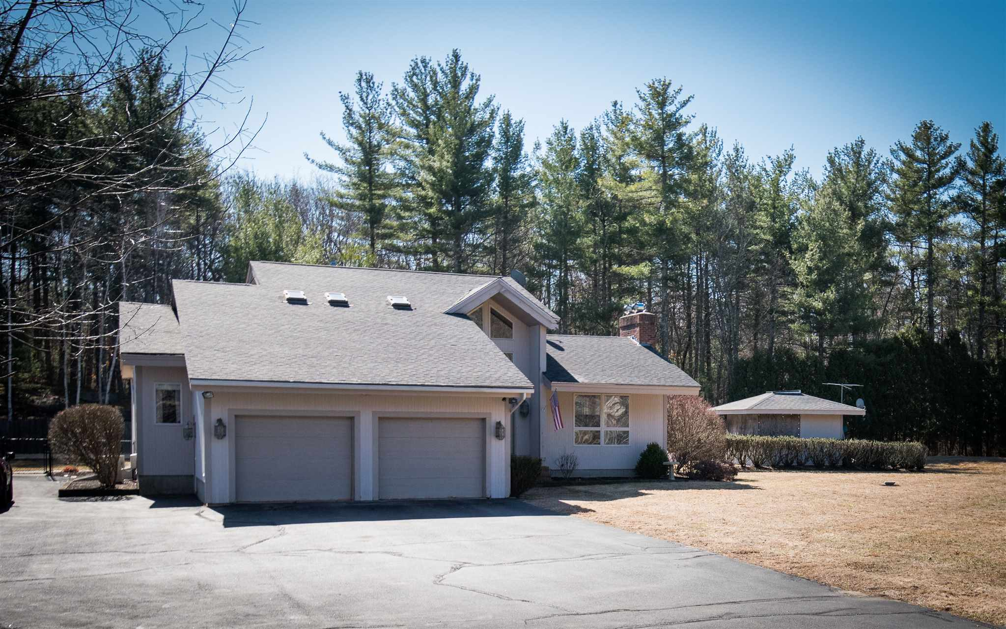 MLS 4798518: 4 Aladdin Road, Windham NH