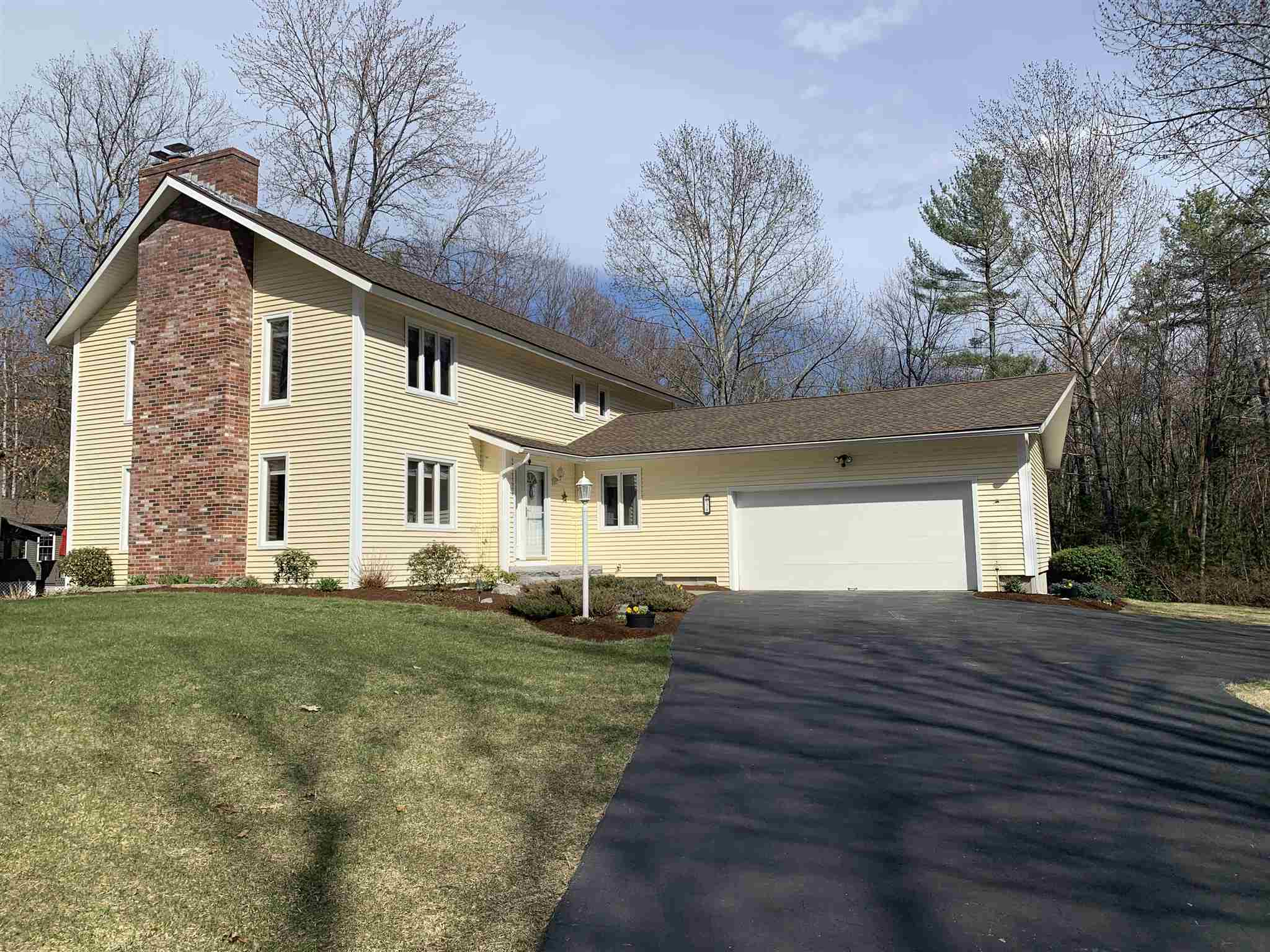 Photo of 34 Mulberry Lane Bedford, NH 03110