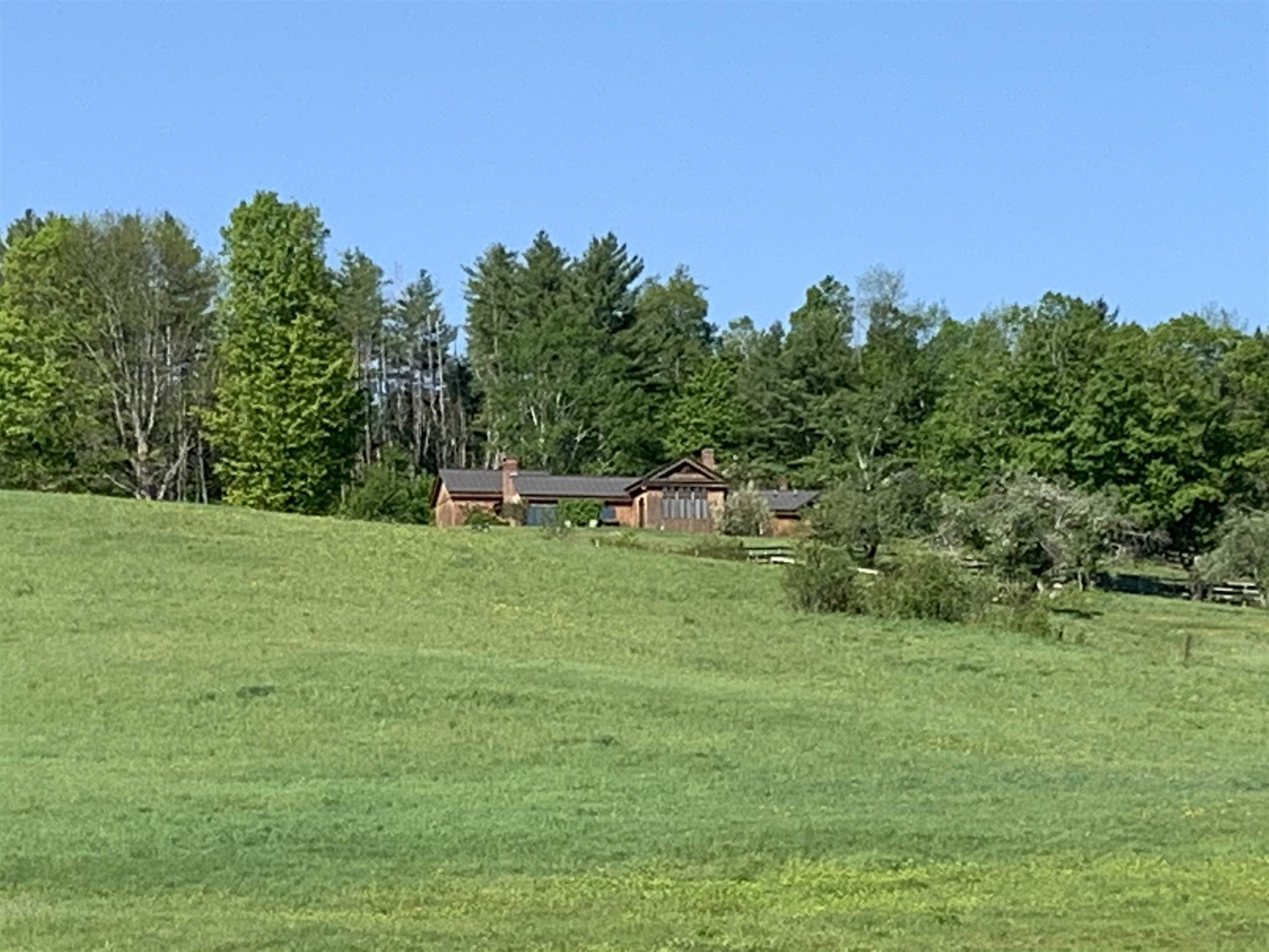 West Windsor VT Home or Farm Acres: 42.8     Beds: 3