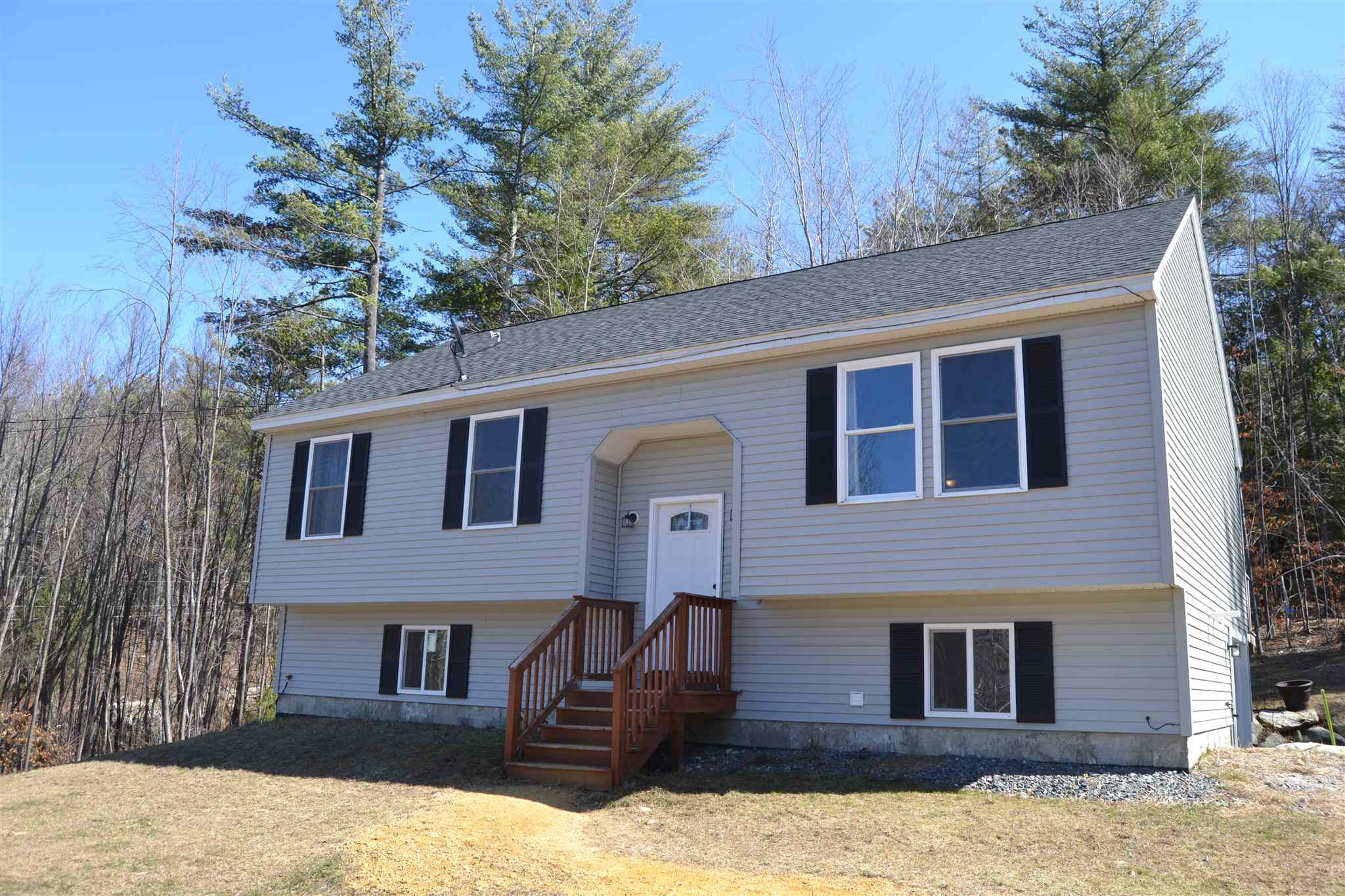 Photo of 14 Donald Avenue Raymond NH 03077