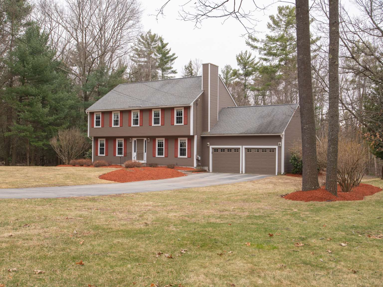 MLS 4799516: 5 Muscovy Drive, Litchfield NH
