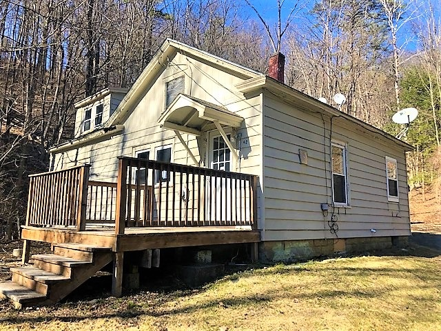 HARTFORD VT Home for sale $$109,900 | $80 per sq.ft.