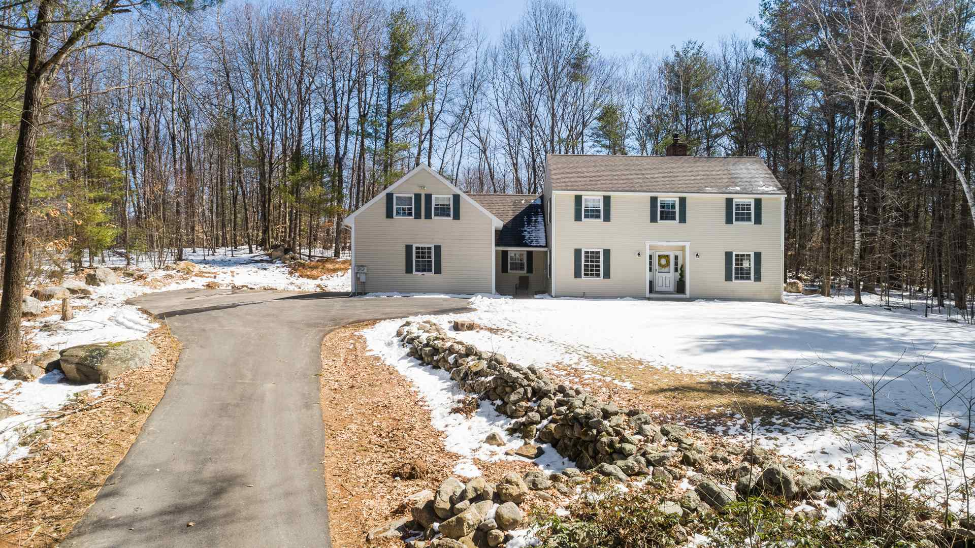 Photo of 28 Oriole Drive Bedford NH 03110