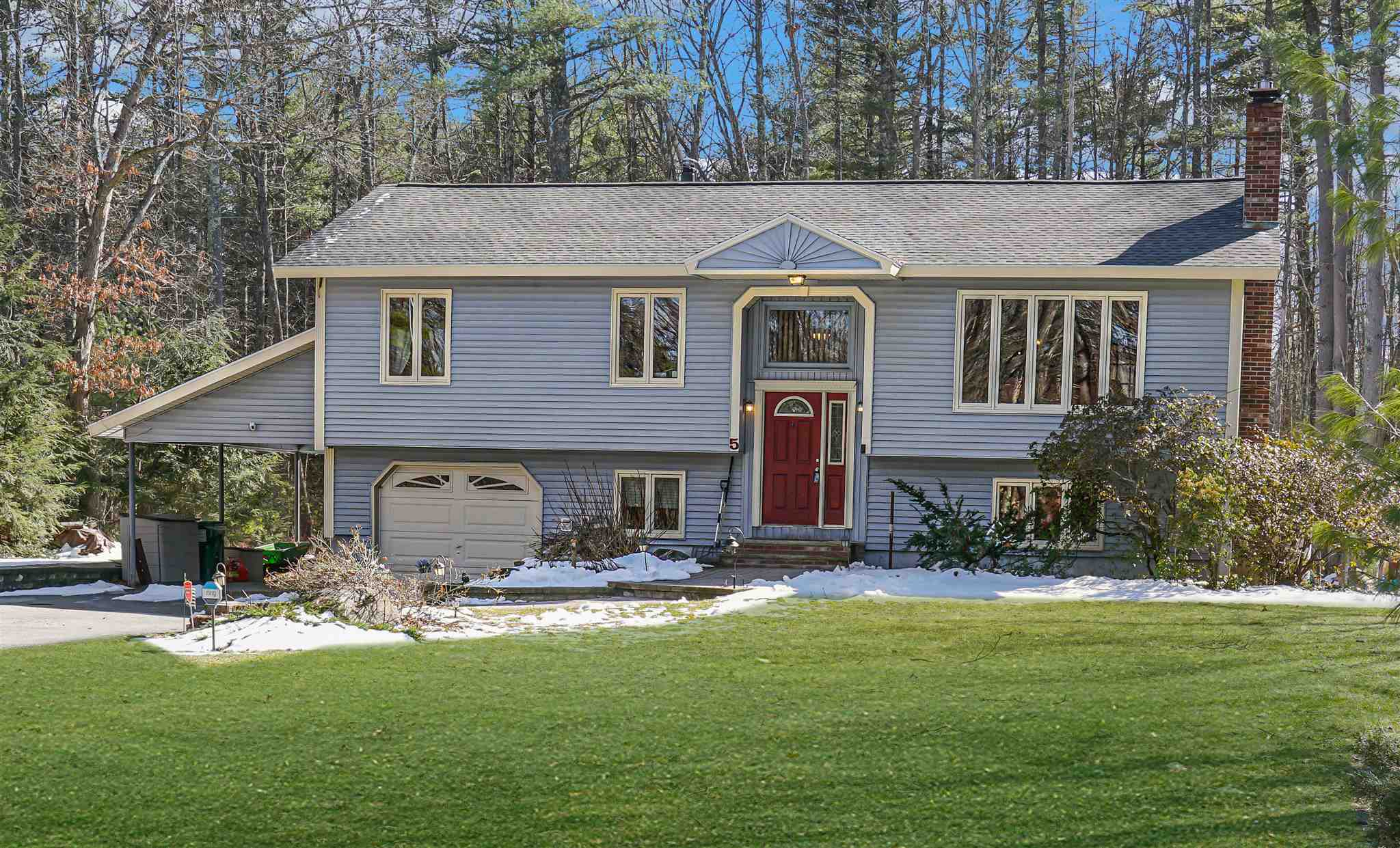 MLS 4799827: 5 Woodbine Lane, Merrimack NH