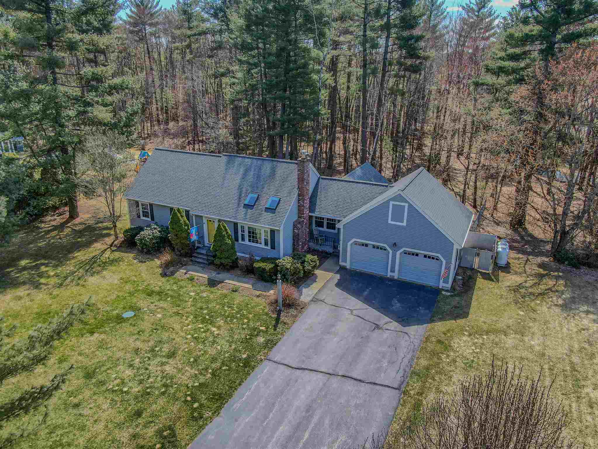 Photo of 21 Locke Mill Drive Litchfield NH 03052