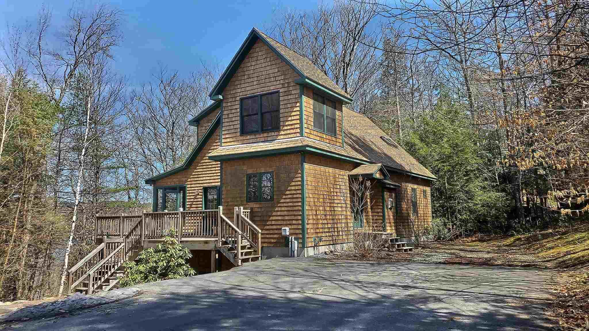 SUNAPEE NHLake House for sale $$439,000 | $233 per sq.ft.