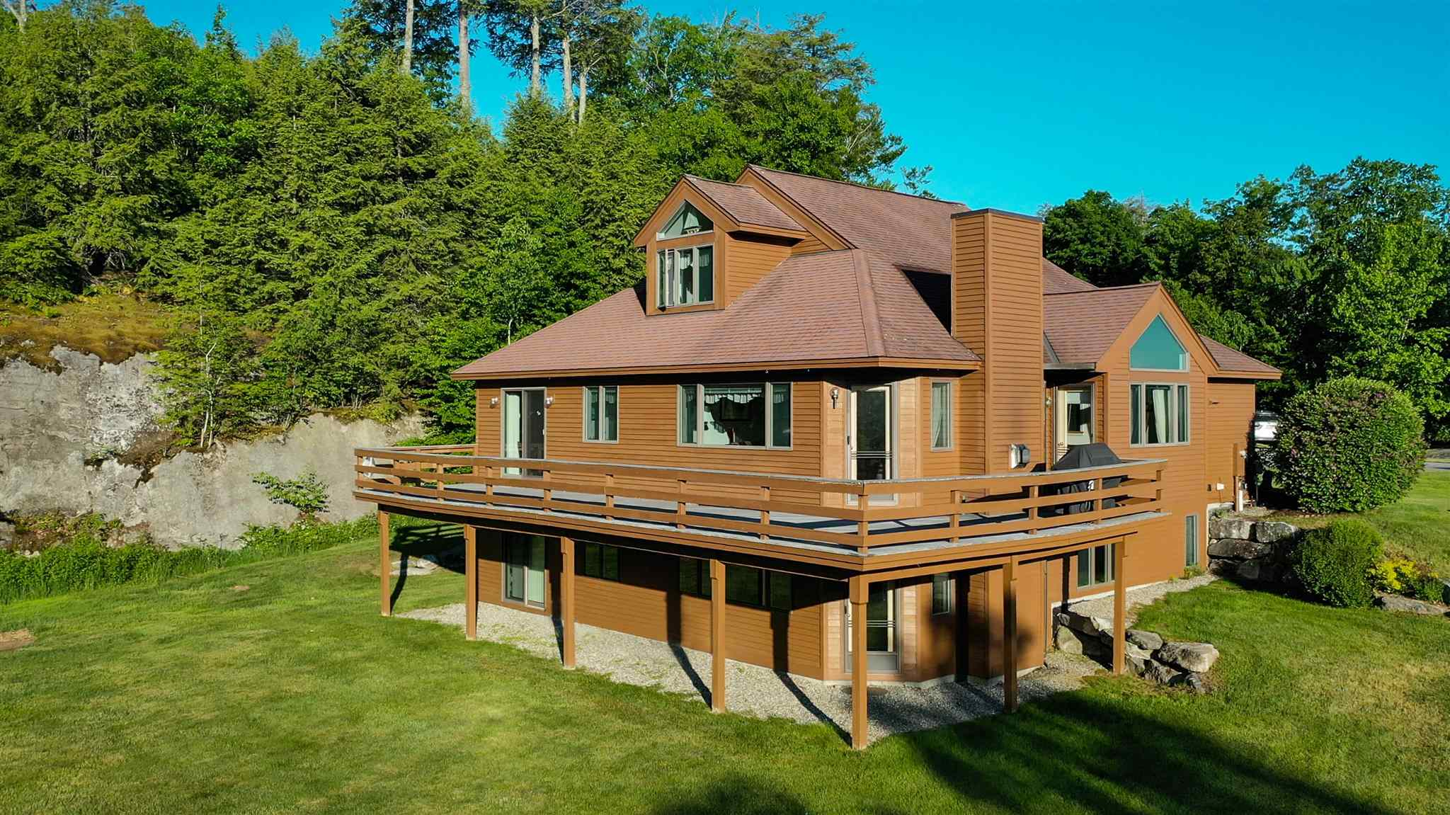 SUNAPEE NH Condo for sale $$895,000 | $549 per sq.ft.