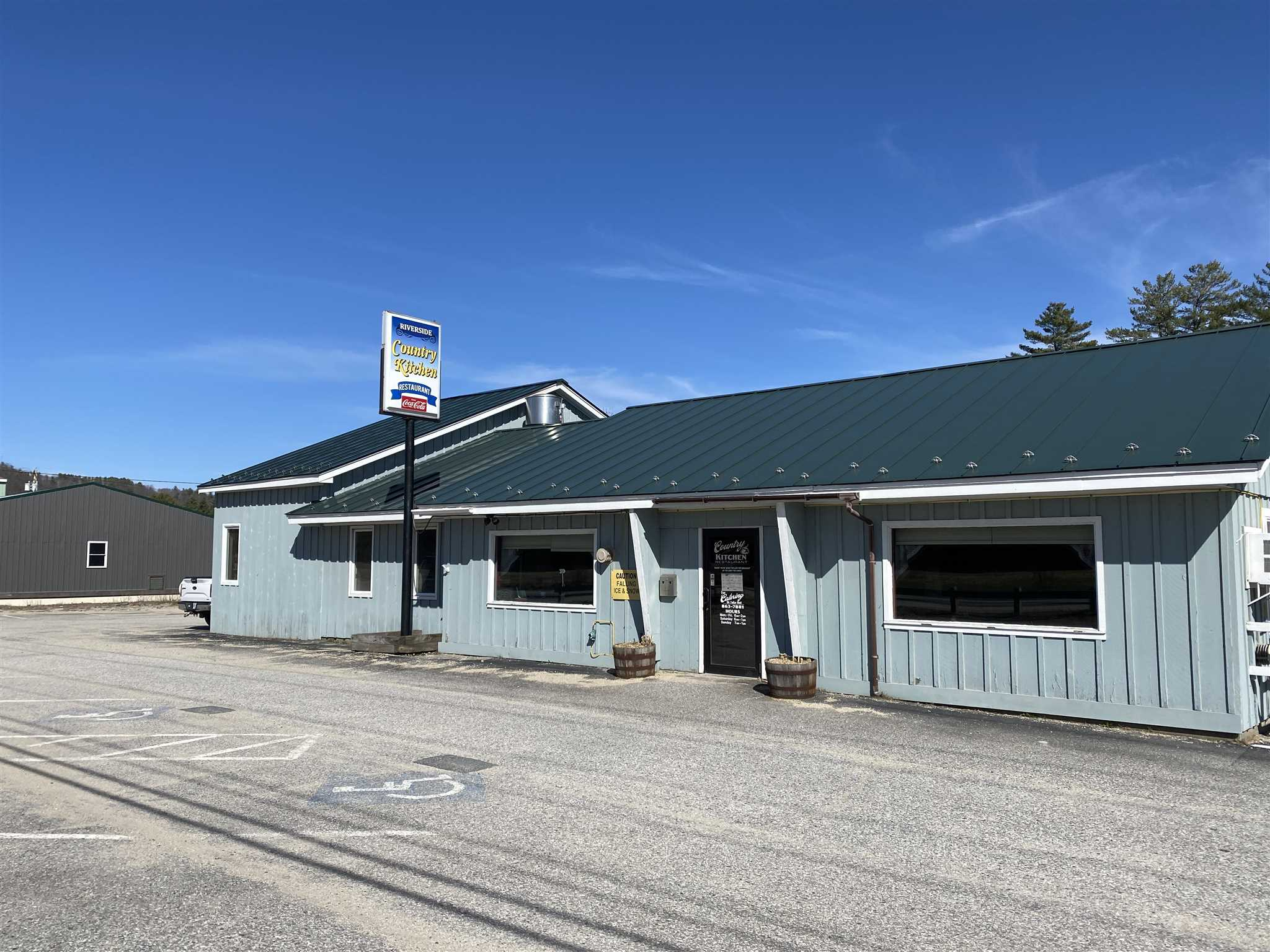 Newport NH 03773 Commercial Property for sale $List Price is $599,500