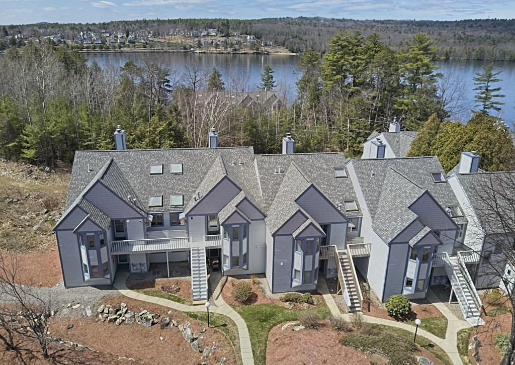 MLS 4803152: 738 Weirs Boulevard, Laconia NH