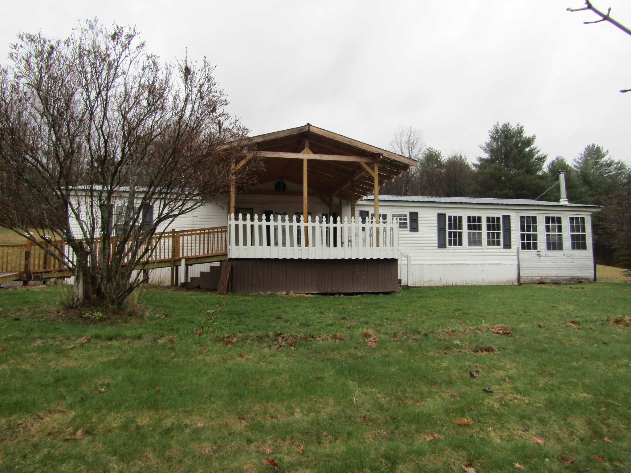 LYME NH Mobile-Manufacured Home for sale $$195,000 | $124 per sq.ft.