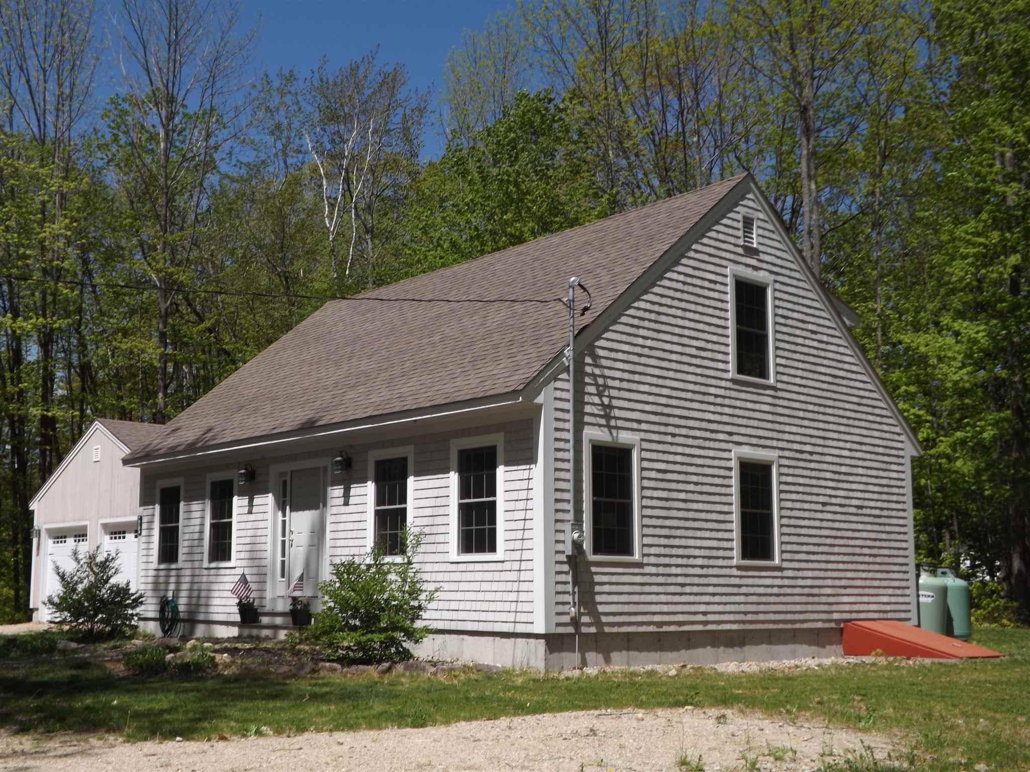 BROOKFIELD NH Home for sale $327,000