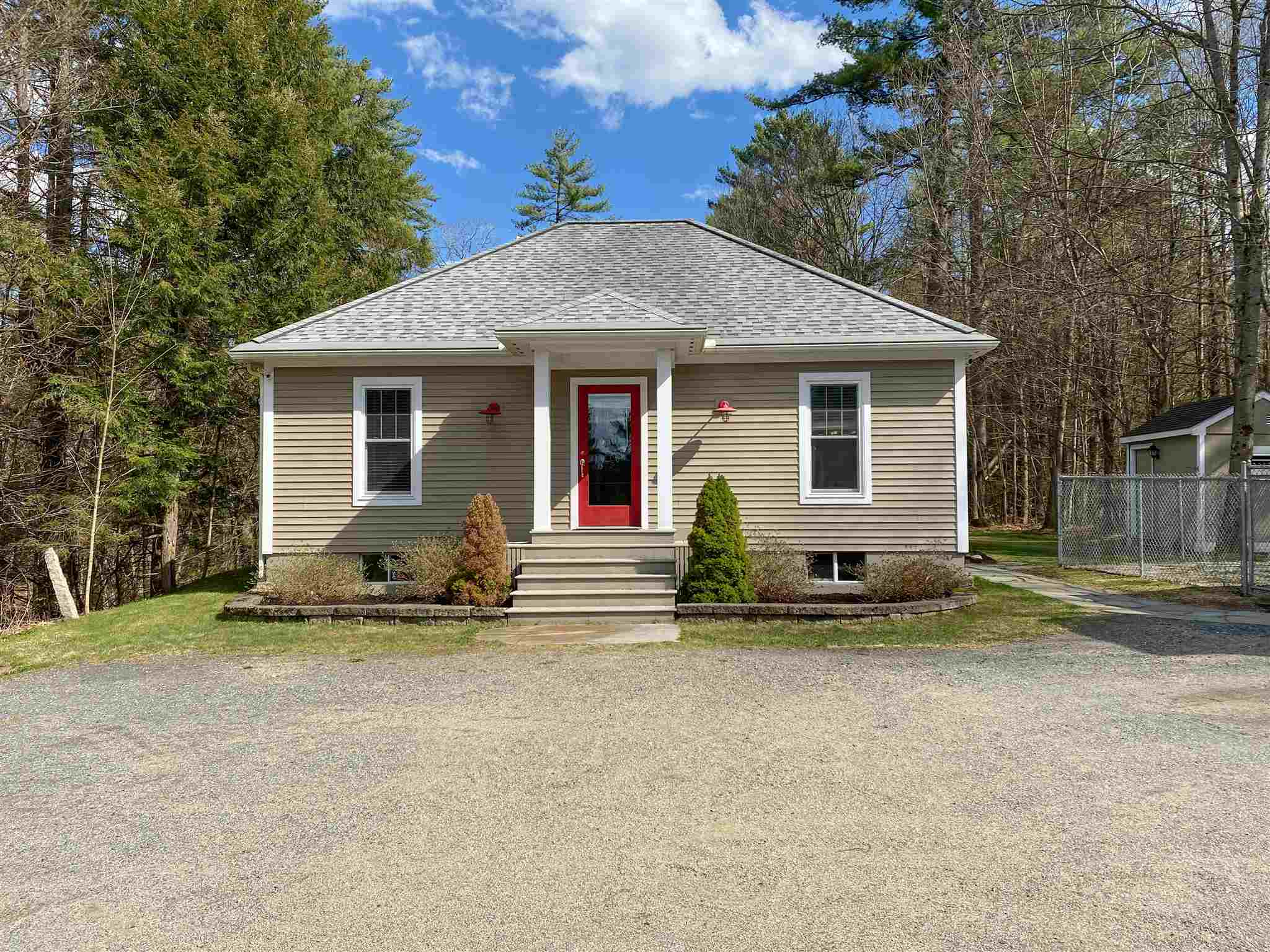 MLS 4803631: 2959 Route 25A, Orford NH