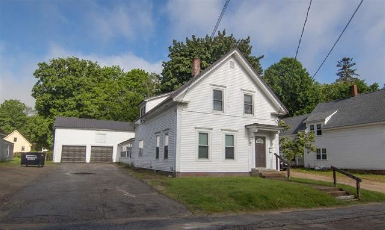 MLS 4803895: 8 Winters Street, Plymouth NH
