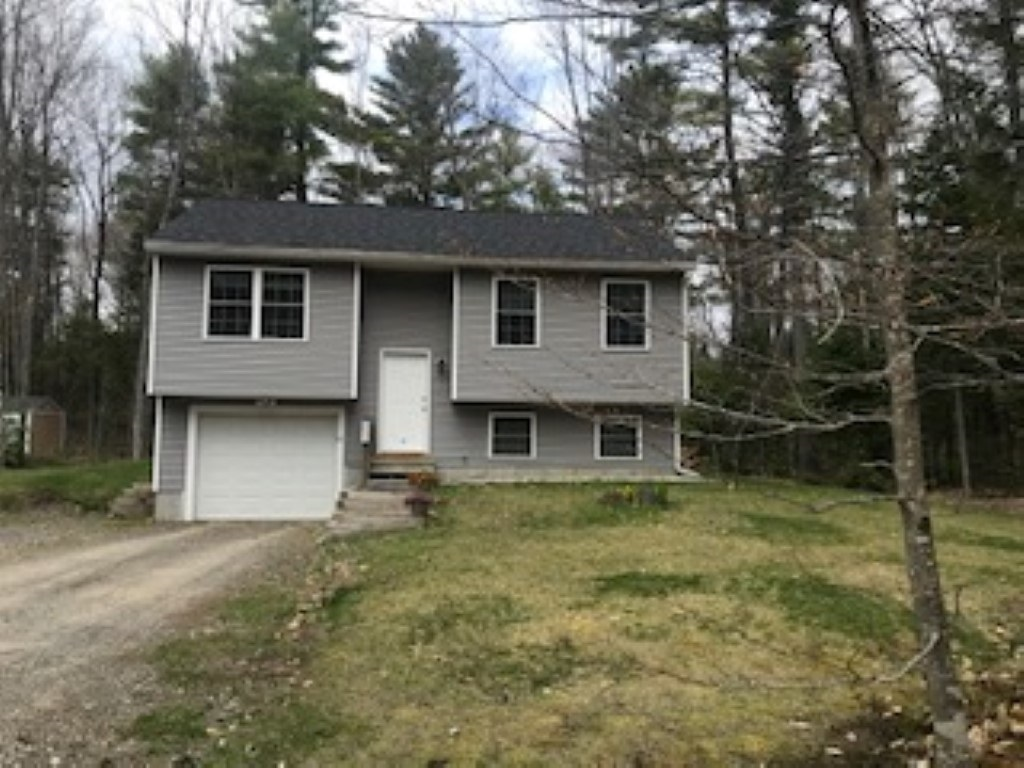 Photo of 10 Wentworth Lane Barnstead NH 03225