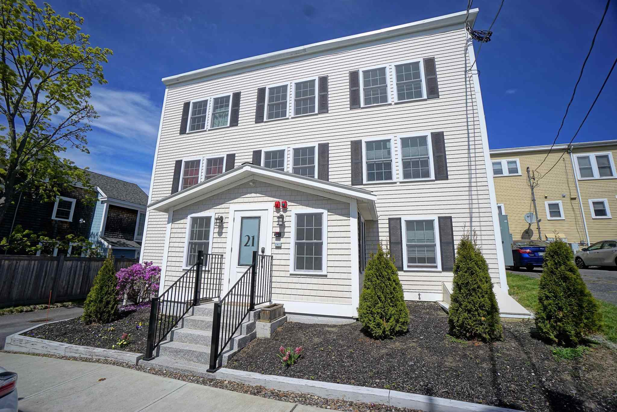 Photo of 21 Brewster Street Portsmouth NH 03801