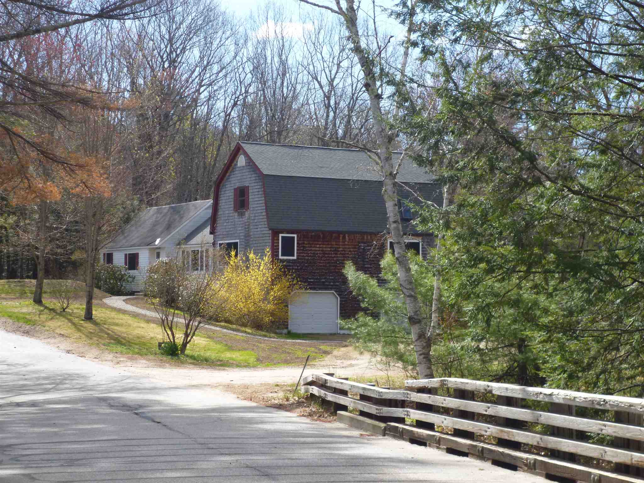 VILLAGE OF MELVIN VILLAGE IN TOWN OF TUFTONBORO NH  Home for sale $299,000