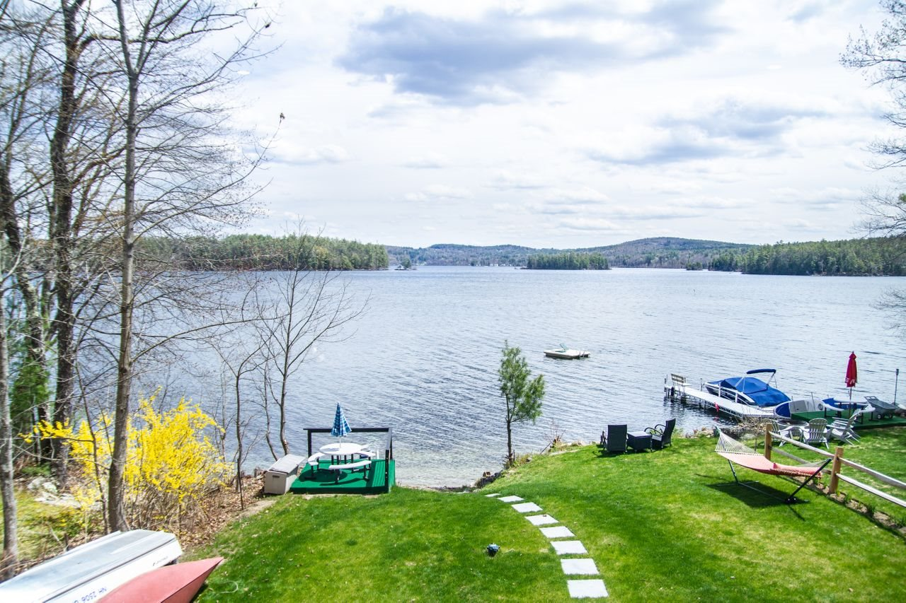 CENTER HARBOR NH Home for sale $799,000