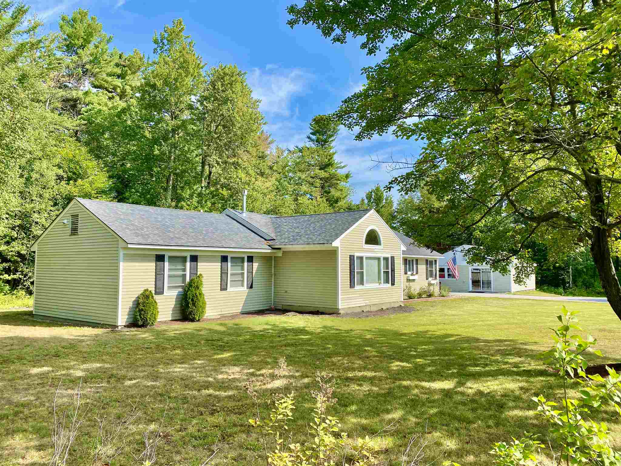 MLS 4805349: 1462 King Hill Road, New London NH