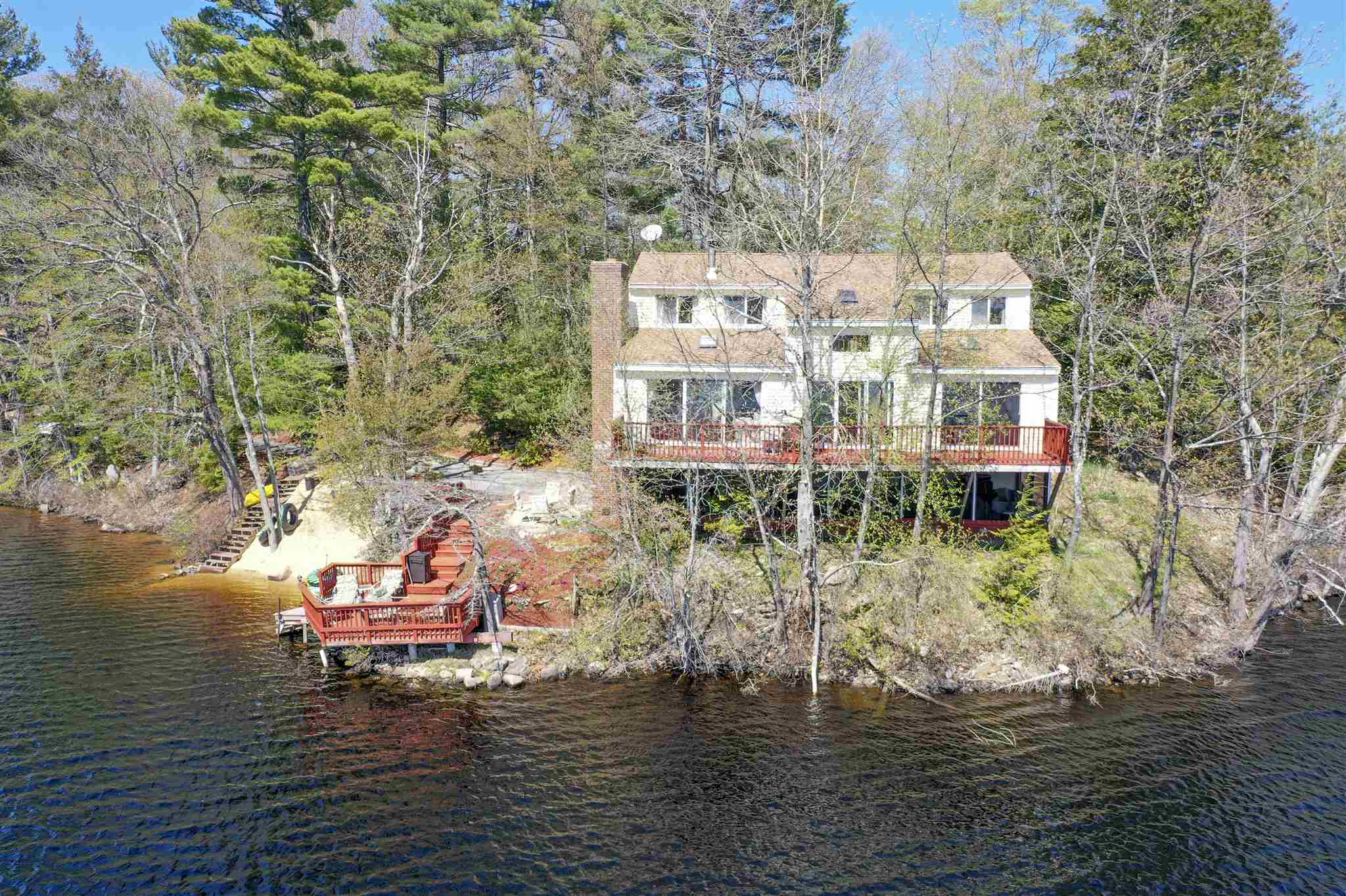32 Brown Avenue, Sandown, NH 03873