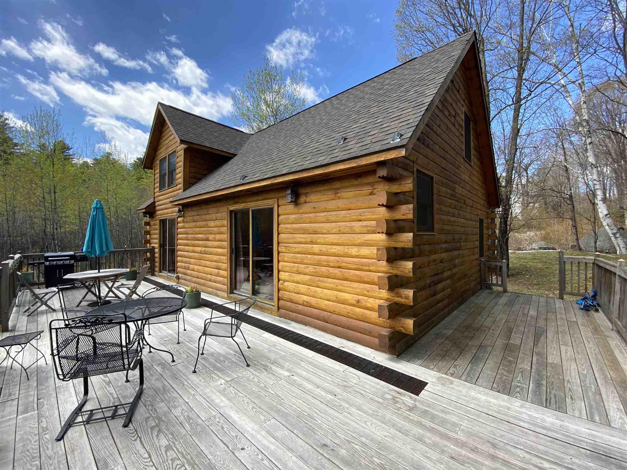 SUNAPEE NHHome for sale $$345,000 | $280 per sq.ft.
