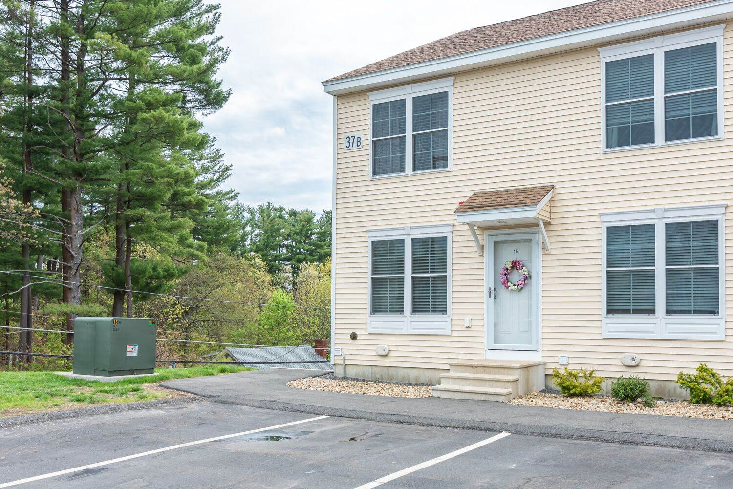 Photo of 37 Highland Avenue Derry NH 03038