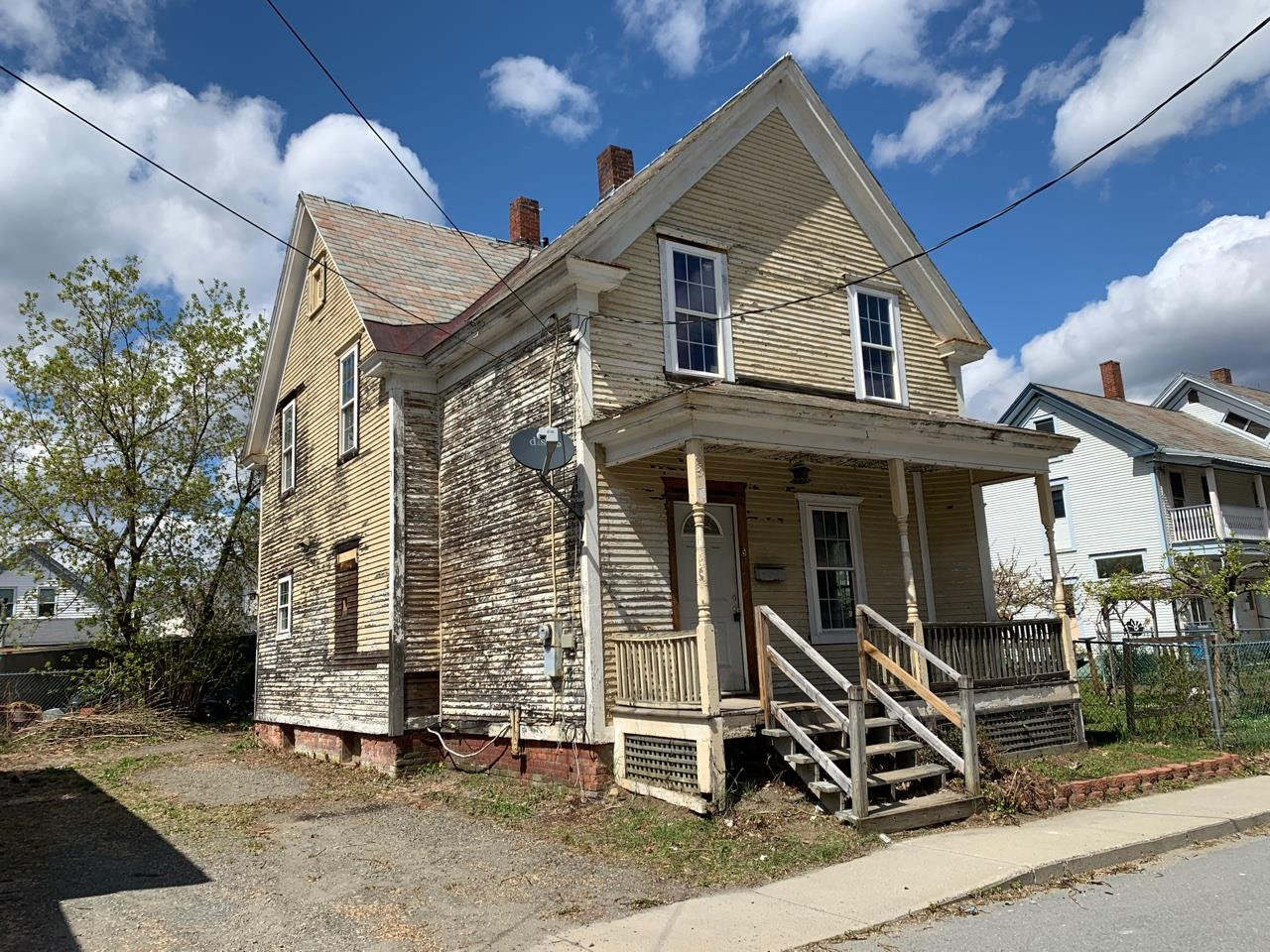 VILLAGE OF BELLOWS FALLS IN TOWN OF ROCKINGHAM VTHome for sale $$44,900 | $35 per sq.ft.